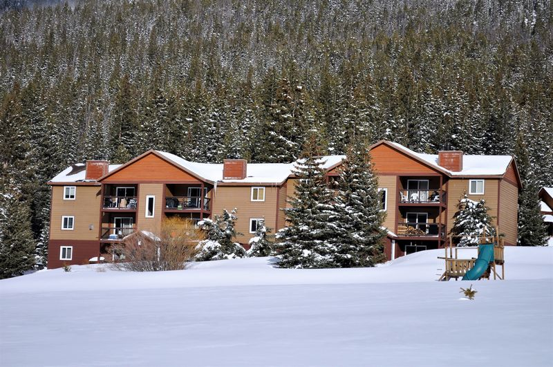 Blue River Condos 3 Bed 2...