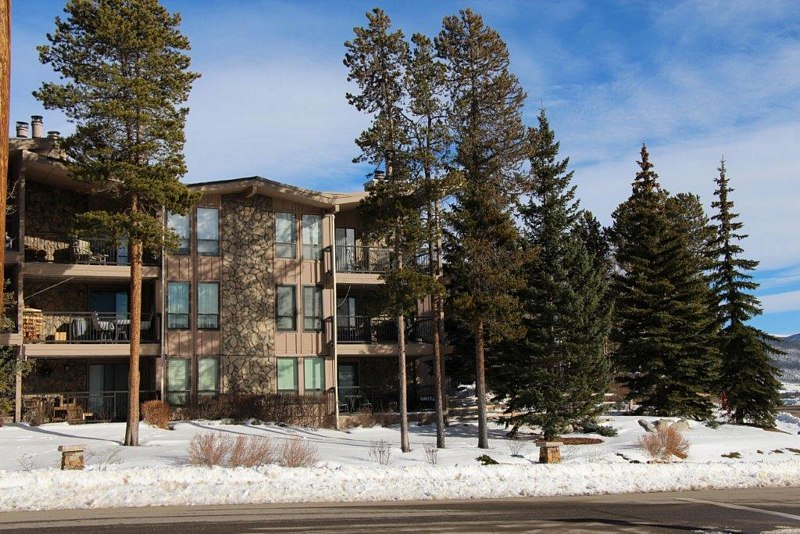 Lake Cliffe 2 Bed 2 Bath ...